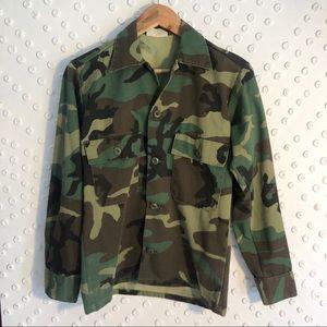 Vintage army camo button up shirt